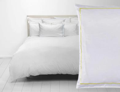 Fischbacher Premium Satin Bettwäsche weiss mit hell gelben Rahmen